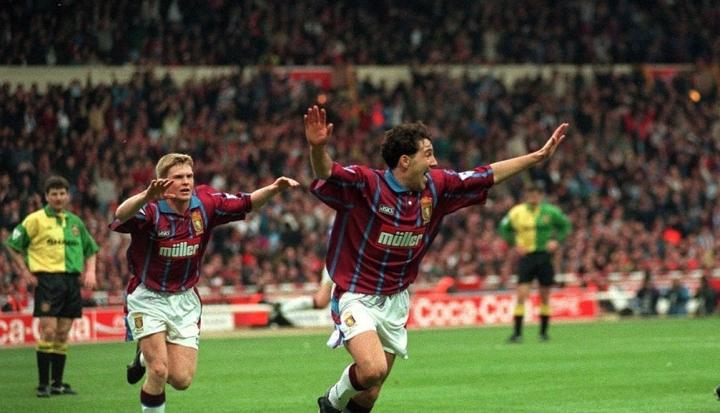 Dean-Saunders-celebrates-Villas-second-goal